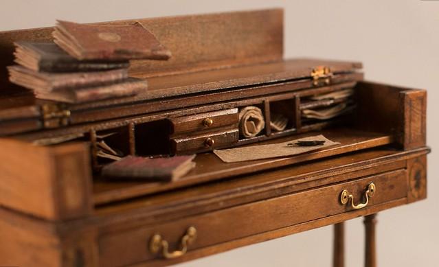 Duncan Phyfe Spinet Desk