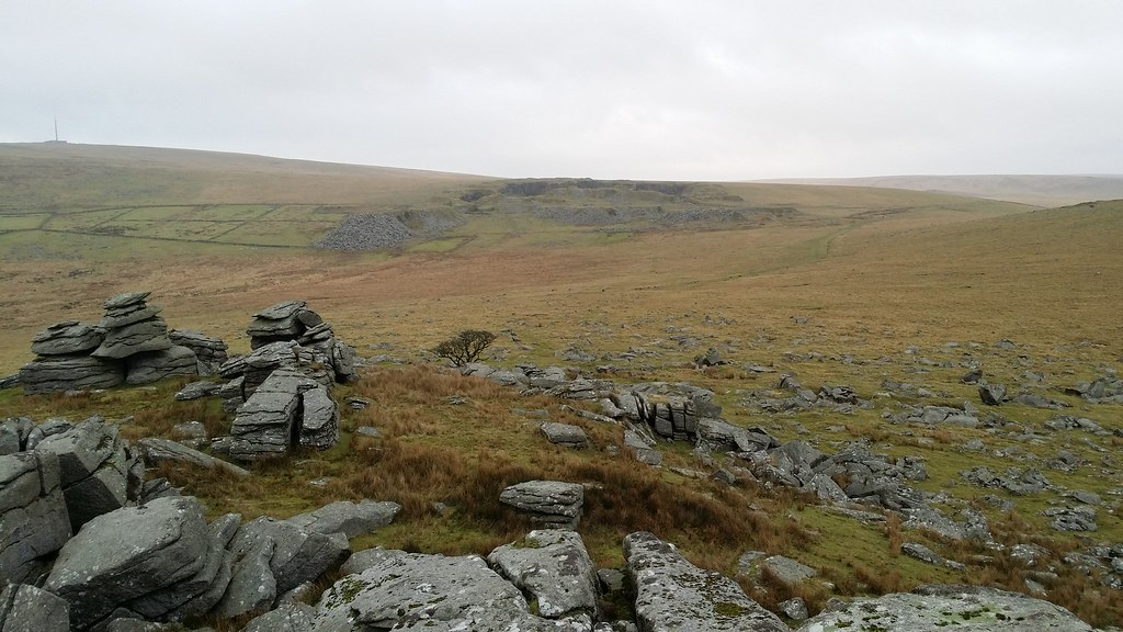 Looking to Foggintor from Kings Tor