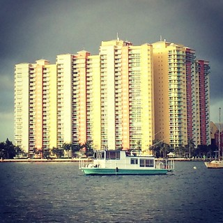 Yes please to that jaunty little house #boat. #lakeworth #Florida #travel