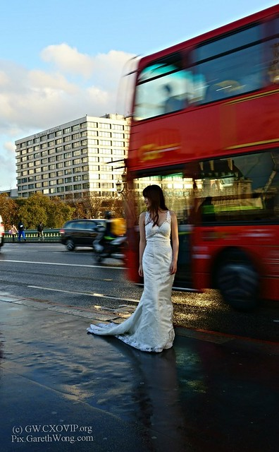 Nice Chinese Bride with full wedding gown on Westminster Bridge & Classic London Bus from RAW _DSC6713