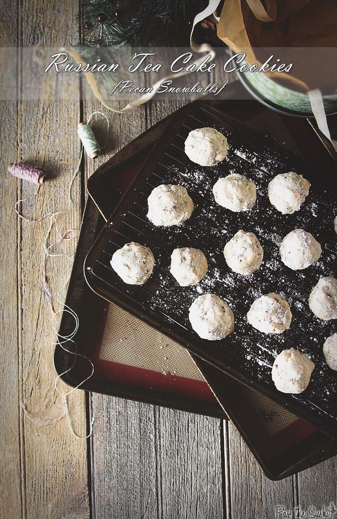 Russian Tea Cake Cookies {Pecan Snowballs} | PasstheSushi.com