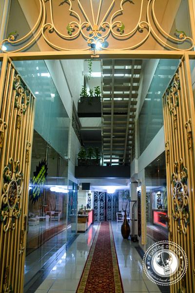 Hotel Le Parc Medellin Entrance