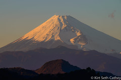 types of volcanic eruptions(0.0), ridge(0.0), dawn(0.0), mountain(1.0), volcano(1.0), mountain range(1.0), hill(1.0), summit(1.0), plateau(1.0), fell(1.0), shield volcano(1.0), stratovolcano(1.0), mountainous landforms(1.0), volcanic landform(1.0),