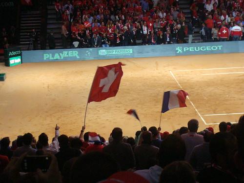 French flag vs Swiss flag