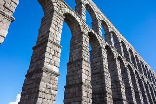 Bild av Acueducto de Segovia nära Segovia. architecture spain arches segovia acueducto arcs aquaduct acueductodesegovia romanaquaduct