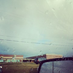 School is just now getting out and it's starting to rain. Oh joy! #carpool