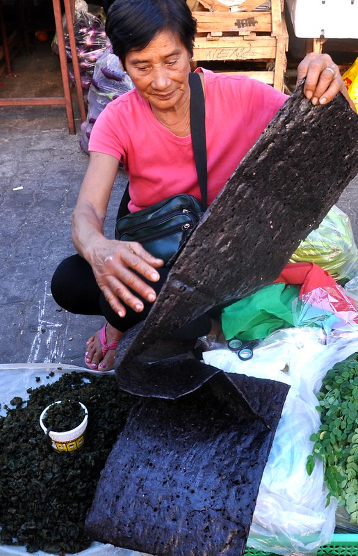 Burgos gamet vendor in Laoag
