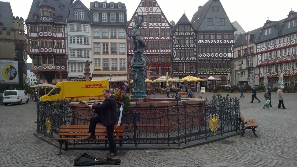 Artista de rua em Römerberger