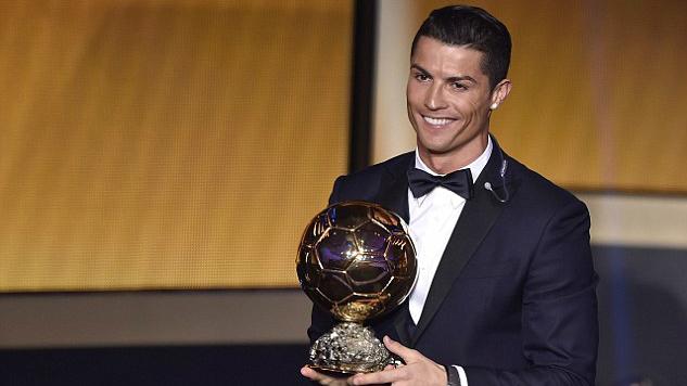 150112_POR_Cristiano_Ronaldo_Ballon_d_Or_2_LHD