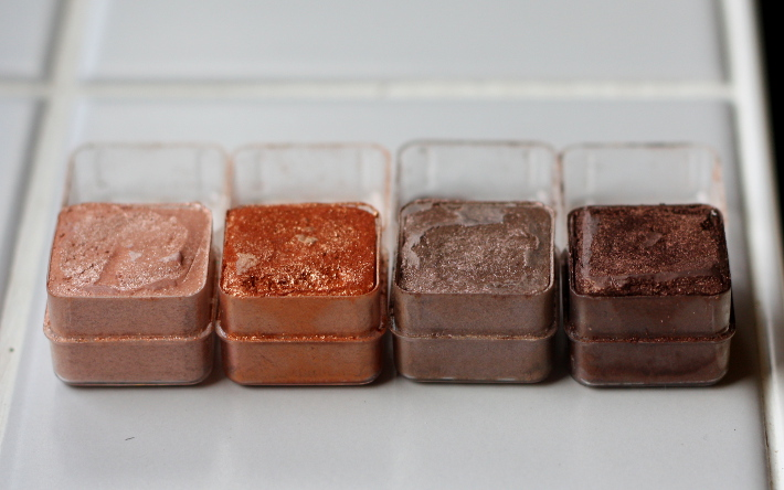 the body shop shimmer cubes 06 warm swatches tutorial