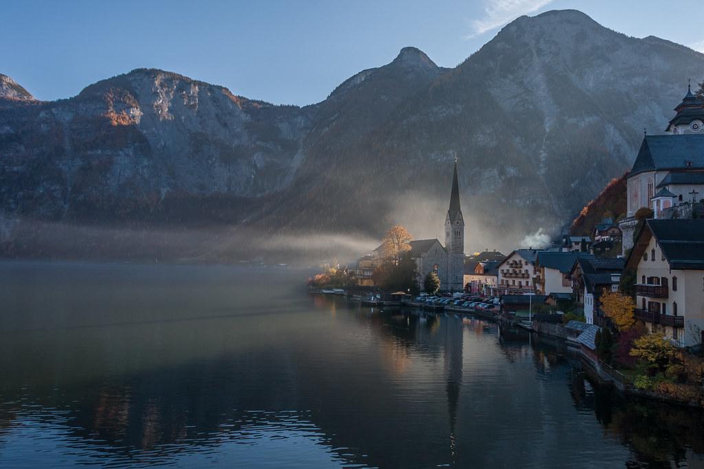 Vista panorámica de Hallstatt , un pueblo austriaco considerado de los más bonitos del mundo