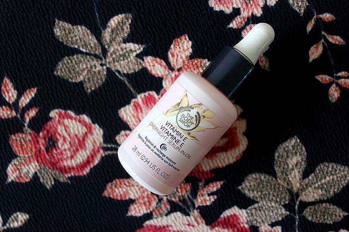 The Body Shop Vitamin E Overnight Serum-in-Oil Review1