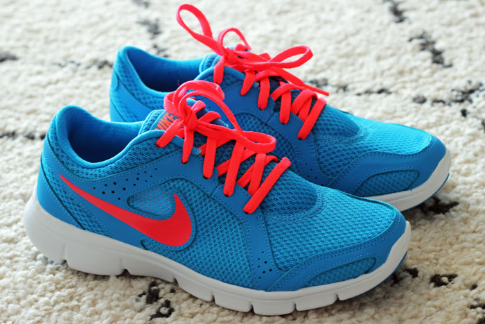 nike-flex-experience-turquoise-rose