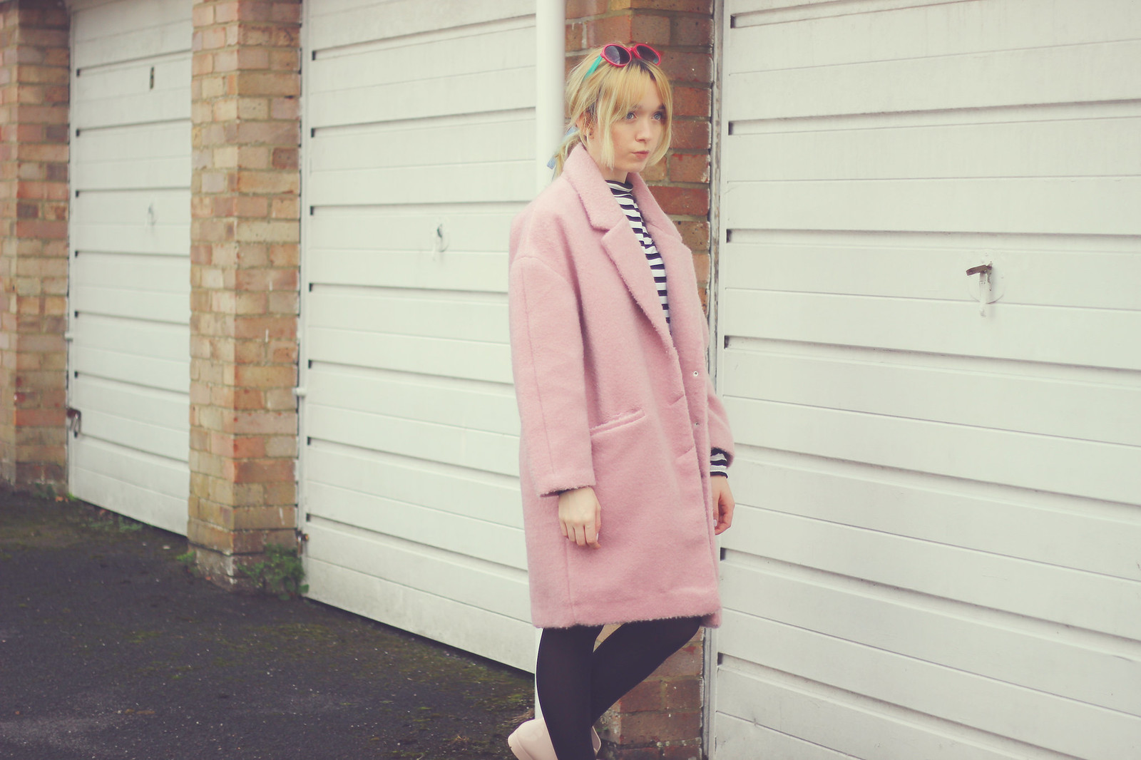 1-pink-coat, blogger-style, pastel-hair, bow-wellies