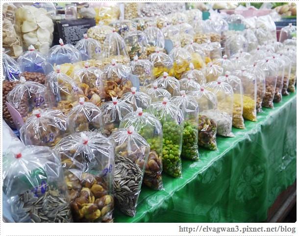 泰國-泰北-清邁-Somphet Market-Tip's Best Fresh Fruit Smoothie-市場-果汁攤-酸奶水果沙拉-燕麥水果優格沙拉-香蕉Ore0-泰式奶茶-早餐-15-598-1