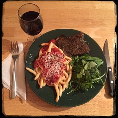 #CucinaDelloZio - #Homemade #SugoDiPomodoro - steak & greens