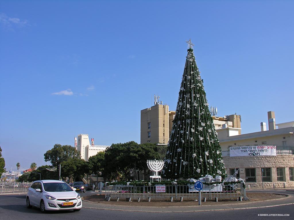Haifa Christmas Renedl 1