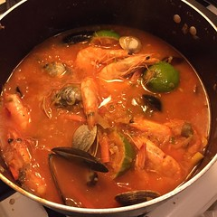 noodle soup(0.0), fish(0.0), produce(0.0), stew(1.0), curry(1.0), jjigae(1.0), kimchi jjigae(1.0), seafood(1.0), asam pedas(1.0), sundubu jjigae(1.0), bouillabaisse(1.0), red curry(1.0), food(1.0), dish(1.0), soup(1.0), cuisine(1.0), gumbo(1.0),