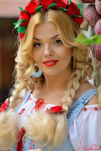 Дойница Герман - ведущая и солистка с профессиональной командой музыкантов