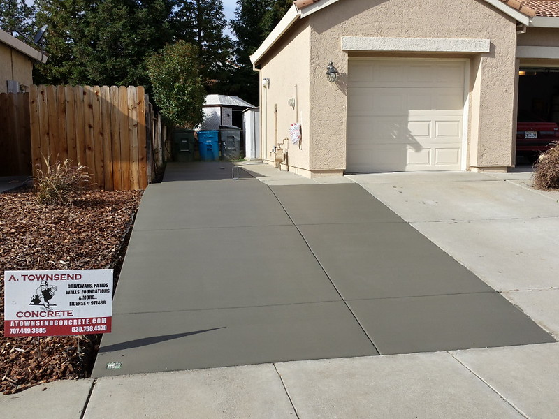 Concrete driveway extension and side yard in vacaville for Garage extension cost estimate
