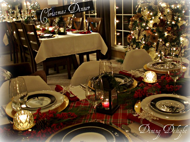We have a small house by today\u0027s standards so it is a challenge to accommodate multiple guests for sit down meals but with a little ingenuity ... & Dining Delight: Sit-Down Christmas Dinner in a Small House