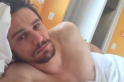 james-franco-en-la-cama