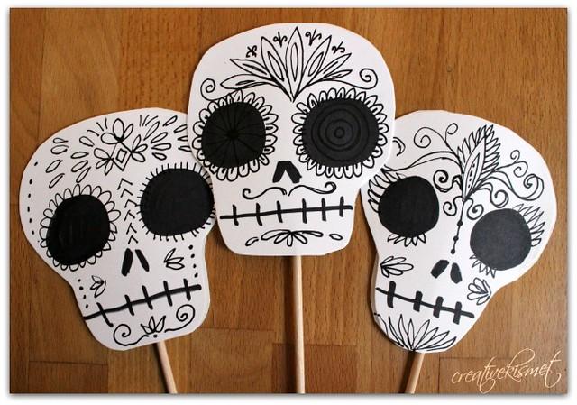 skull planter sticks