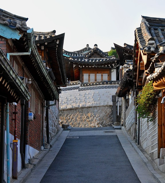 Bukchon alley