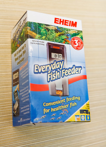 Packaging for the Eheim Automatic Fish Feeder