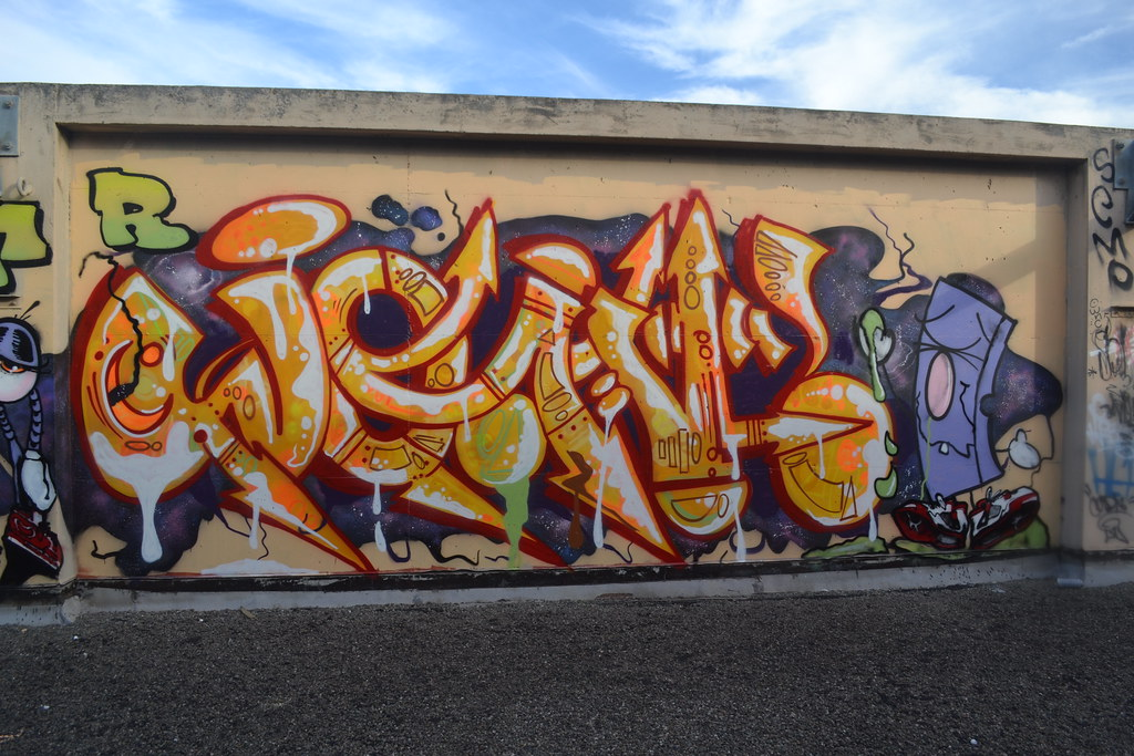 graffiti and their biggest star essay After seeing style wars, one can't help but long for a bit of the chaos and creativity of the graffiti years —martin edlund, new york sun talk about groundbreaking films: style wars, a documentary about graffiti artists, was first broadcast by pbs.