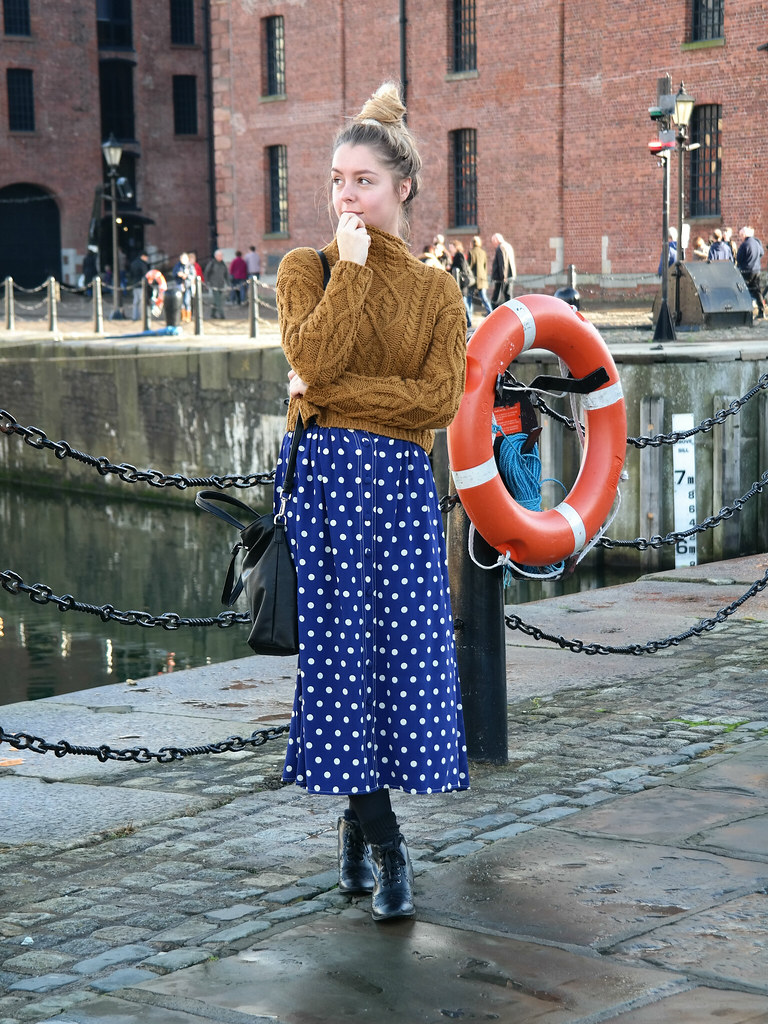 Liverpool fashion blogger | chunky knit and polkadot maxi skirt