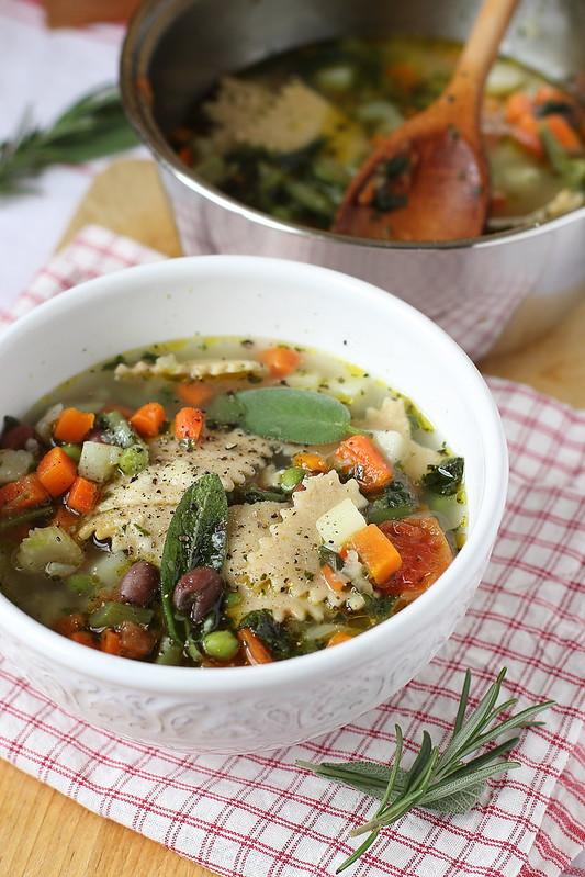 Ricetta del minestrone di verdure con maltagliati semi integrali