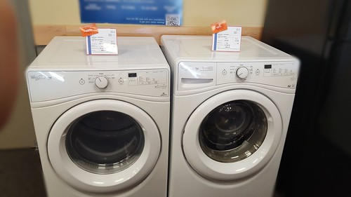 WHIRLPOOL FRONT LOAD WASHER/DRYER