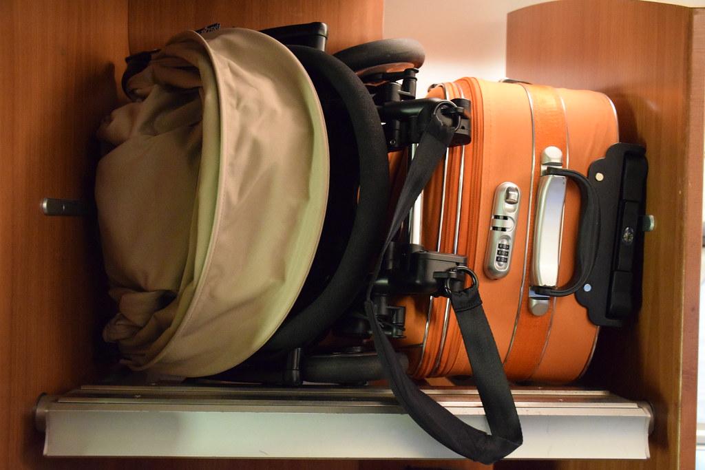 Cabe como equipaje de mano en los aviones.