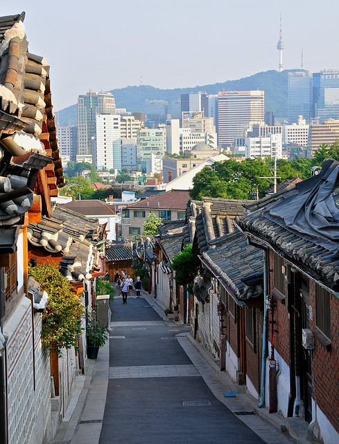 Bukchon towards Seoul Tower