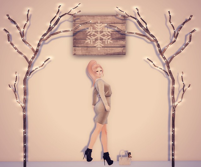 LoTD - It's Beginning to Look a Lot like CHRISTMAS!