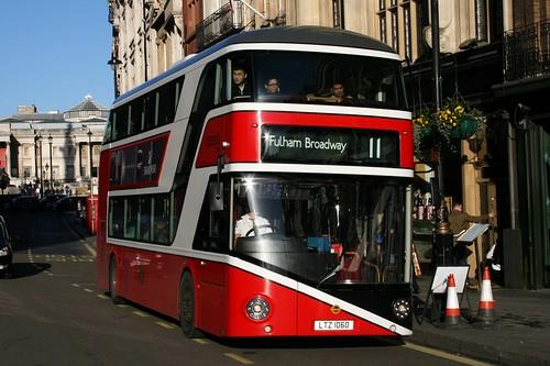 London General LT60 (YOTB General Livery) on Route 11, Trafalgar Square-Whitehall