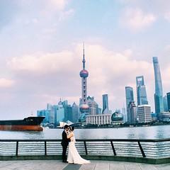 #instagram #shanghai  Congrats! My friends  love moment 婚了,终于,神州大地又少了一对无证驾驶的  #iphoneonly #onlyiphone #phonegraphy #iphonegraphy #上海 #外滩 #thebund n