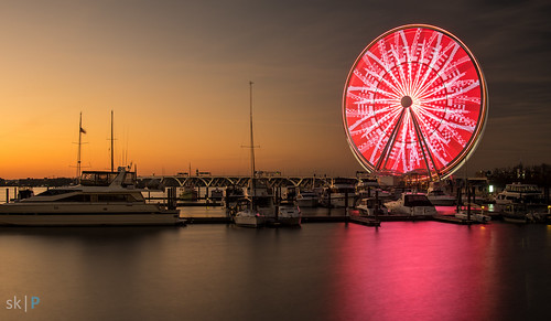 longexposure sunset red sky usa motion reflection alexandria wheel america river boats gold virginia harbor boat md pentax dusk capital maryland national va cycle ferriswheel potomac ferries potomacriver magichour goldenhour repeat princegeorgescounty oxonhill cyclical cyclic nationalharbor capitalwheel pentaxk3