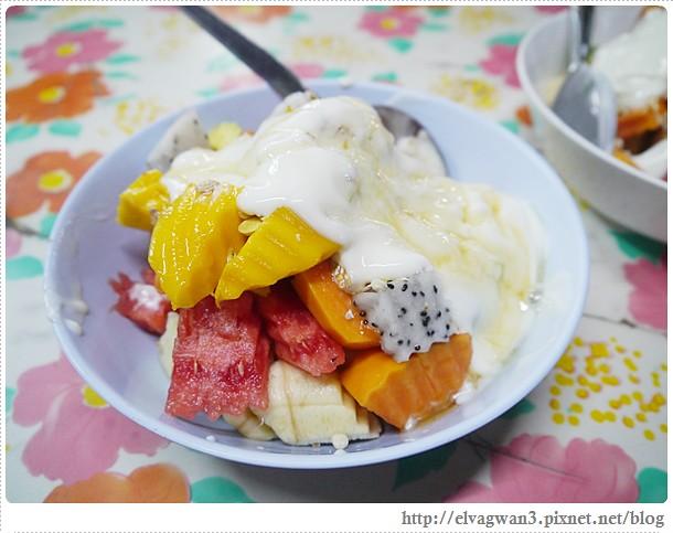 泰國-泰北-清邁-Somphet Market-Tip's Best Fresh Fruit Smoothie-市場-果汁攤-酸奶水果沙拉-燕麥水果優格沙拉-香蕉Ore0-泰式奶茶-早餐-30-647-1