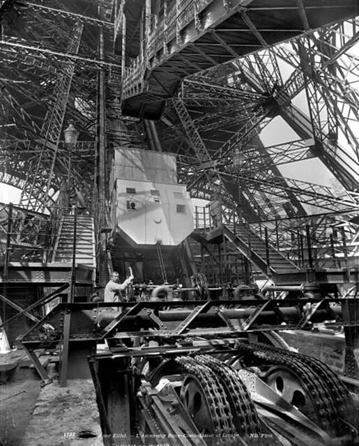 Thang máy của Tháp Eiffel tại Đấu xảo QT Paris 1889