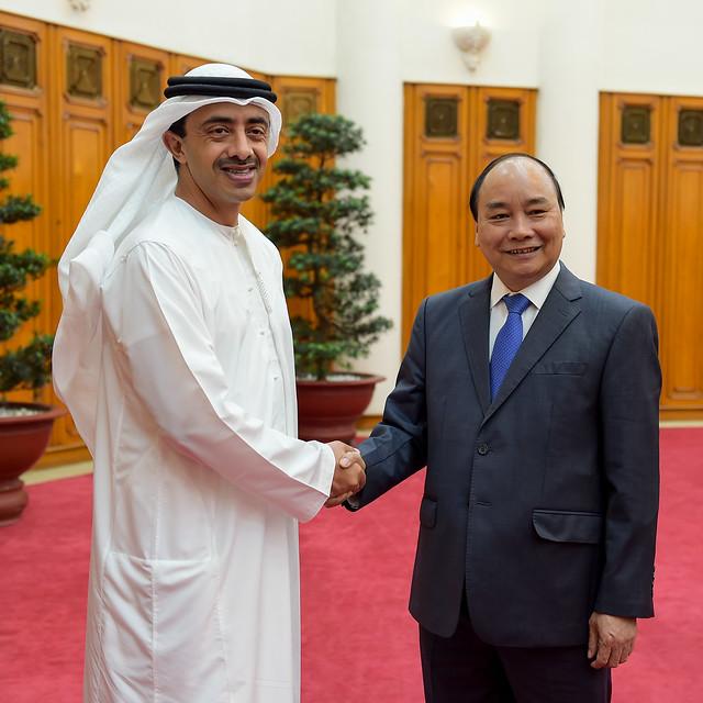 رئيس وزراء فيتنام يستقبل سمو الشيخ عبدالله بن زايد