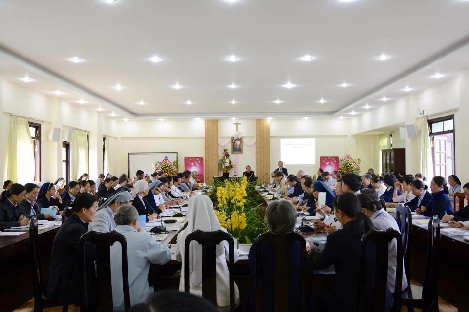 Khai Mạc Hội Nghị Liên Hiệp Bề Trên Thượng Cấp Việt Nam Năm 2014