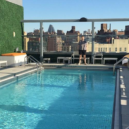 Takterrass med pool kan vara en av de bäst uppfinningarna.
