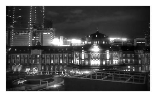 monochrome night at Tokyo Station
