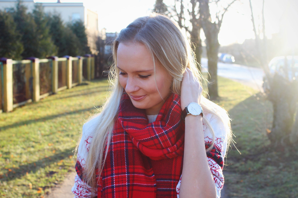 tartan-pattern-scarf