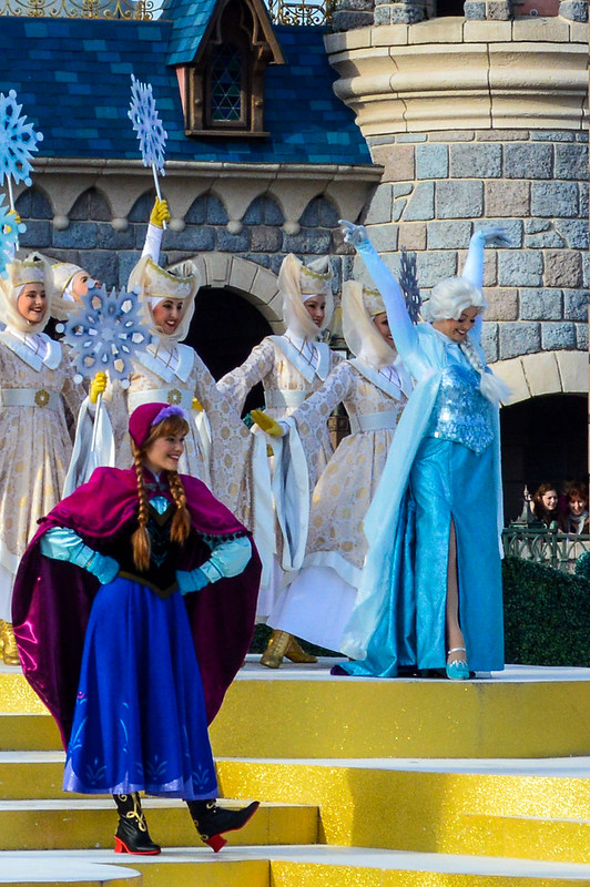 Frozen Stage Show During Princess Promenade