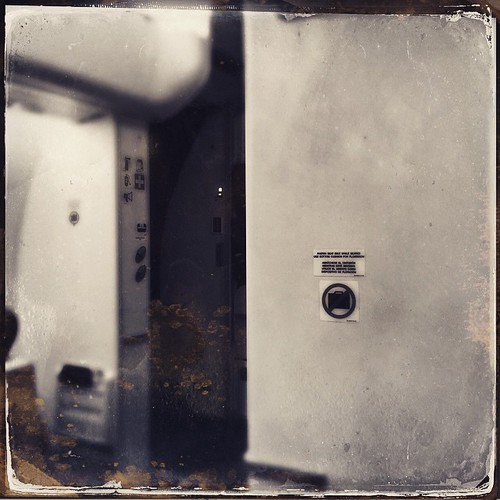 square squareformat unknown iphoneography instagramapp uploaded:by=instagram