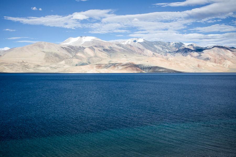 Озеро Тсо Морири. Вид с холма. © Kartzon Dream - авторские путешествия, авторские туры в Индию, тревел фото, тревел видео, фототуры