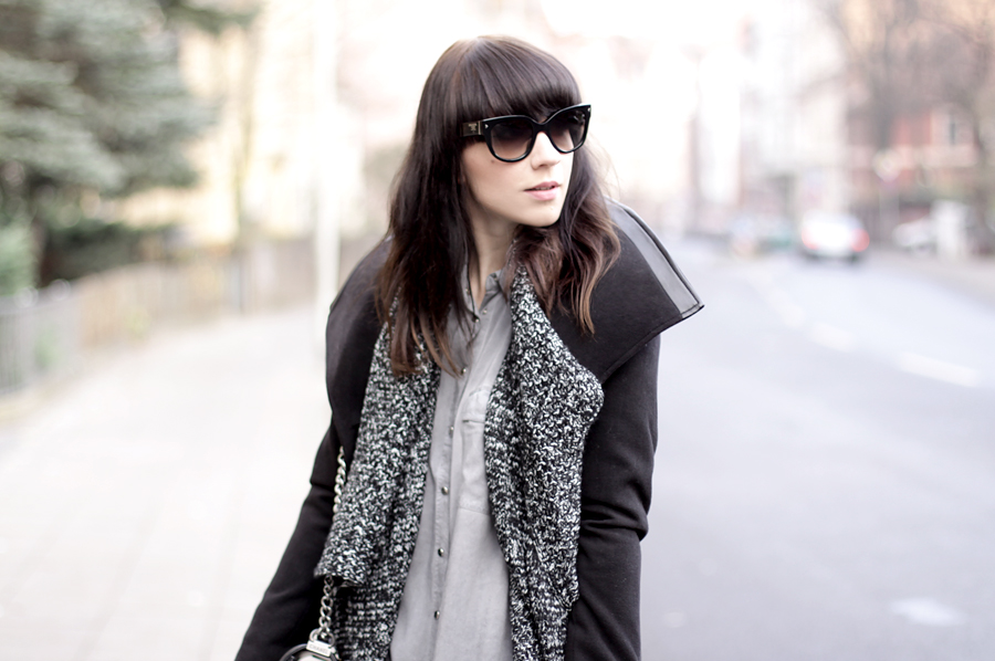 coat reserved styling outfit reservedbrand hannover prada mister spex fashionblogger cool girl fun winter cold black white minimal ricarda schernus cats & dogs wie hund und katze 4